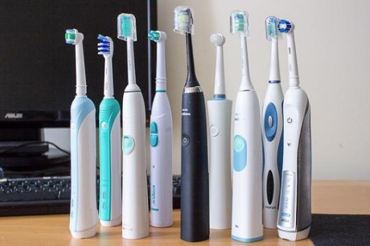 Review top 5 bàn chải đánh răng điện làm sạch răng hiệu quả, êm ái