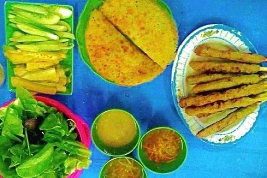 Review top 5 quán bánh xèo nem lụi 'mê lụi' nhất Hà Thành
