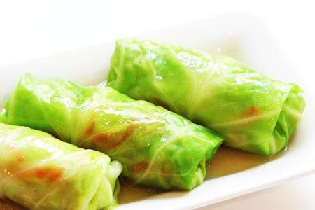 Bắp cải cuốn - Món ăn đơn giản dễ làm