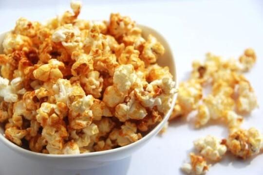 Hướng dẫn cách làm bắp rang bơ tại nhà ngon như bắp rang bơ trong rạp phim