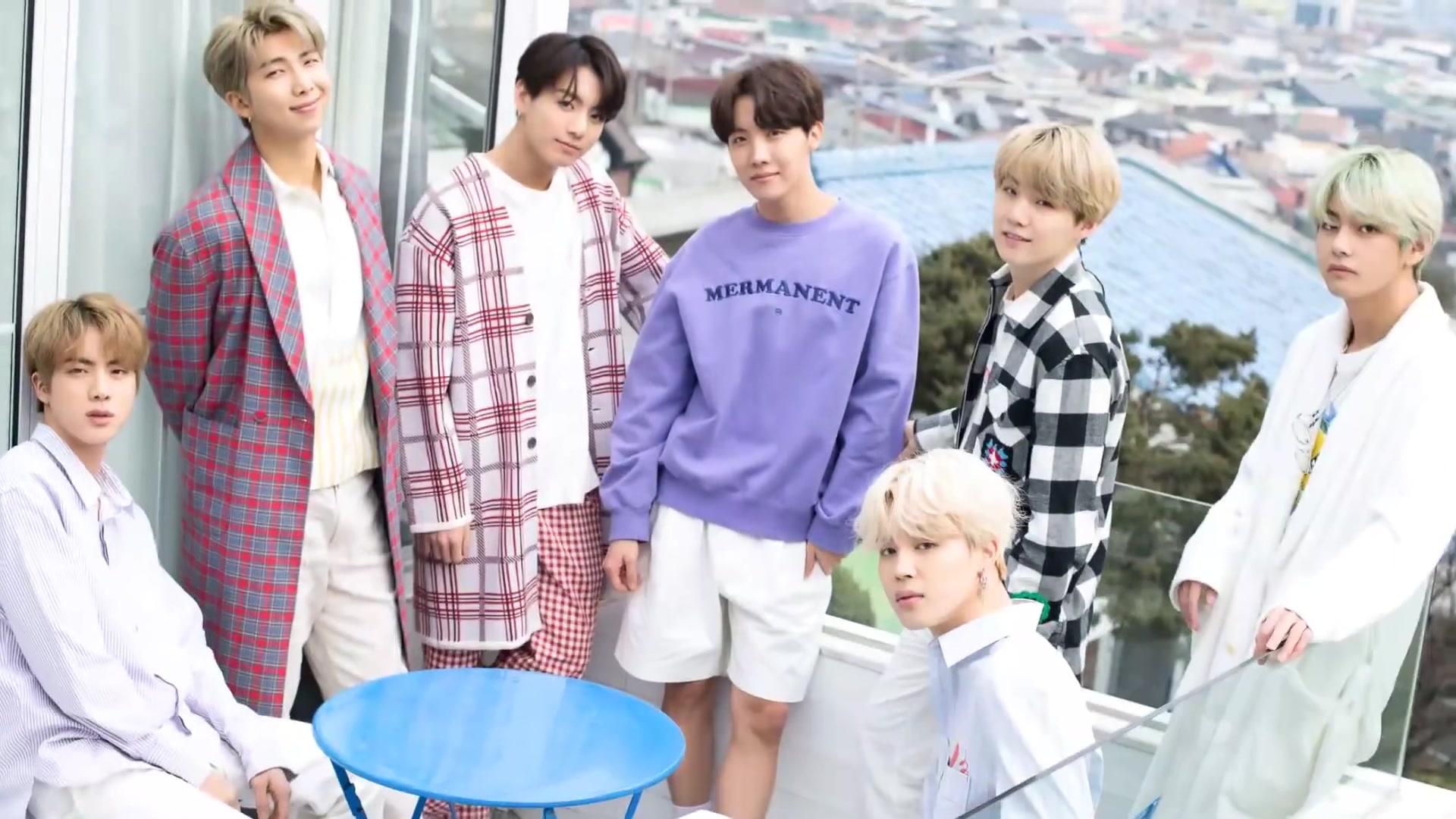 BTS là tên một nhóm nhạc Hàn Quốc với 7 thành viên nam