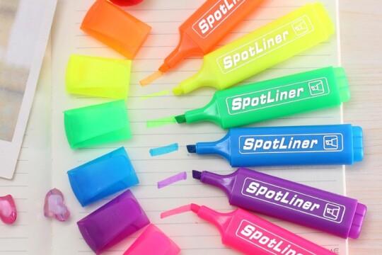 Review top 5 bút đánh dấu đều màu và an toàn cho người sử dụng