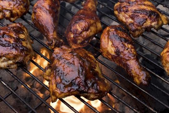Làm gà nướng lửa trại đảm bảo thành công