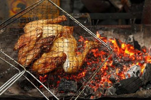 Cách chế biến món gà nướng lửa trại