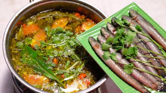 Cách chế biến món lẩu cá kèo rau đắng