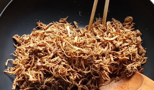 Cách làm chà bông chay từ nấm bào ngư.