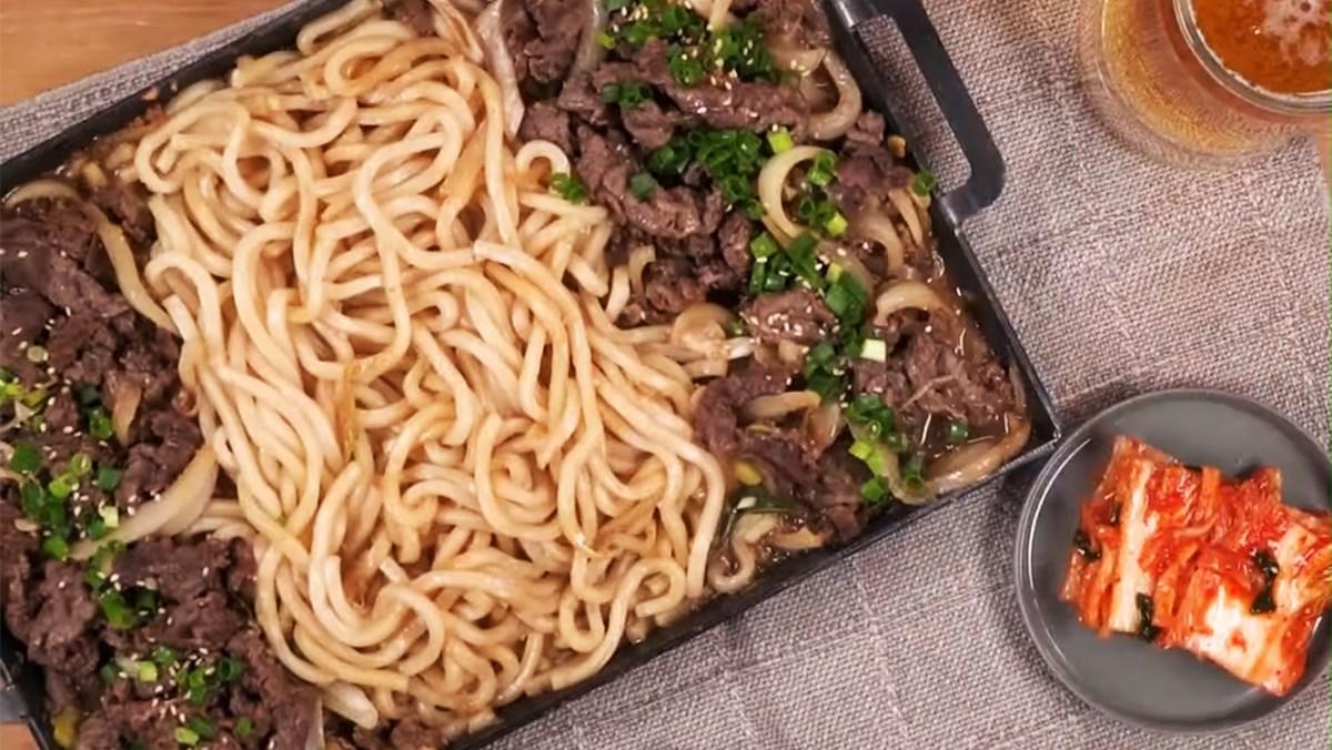 Cách làm mì Udon xào thịt bò