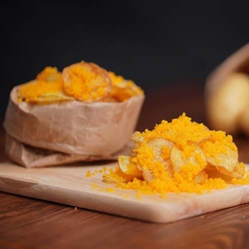 Cách làm snack khoai tây trứng muối