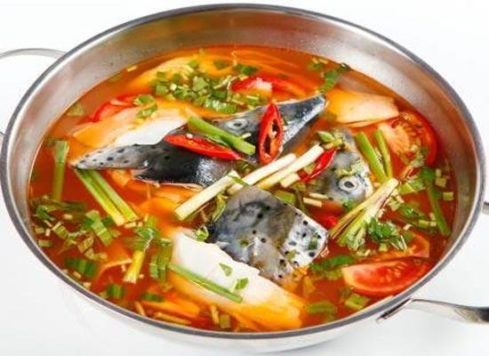Cách nấu canh chua cá hồi bồi bổ sức khỏe