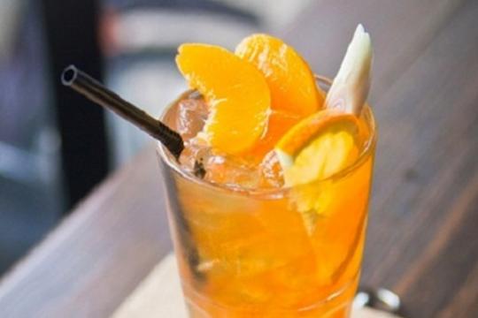 Không cần ra cửa hàng vẫn có ly trà đào cam sả vừa ngon vừa tốt cho sức khỏe với cách làm đơn giản