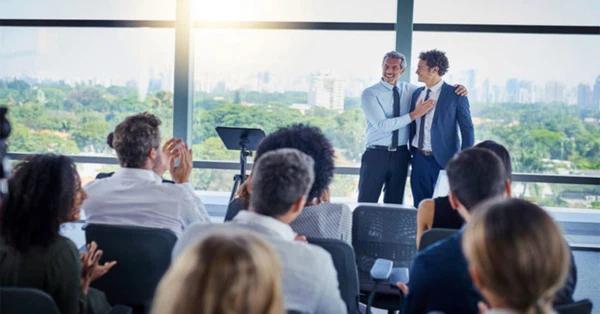 Cam kết tình cảm của nhân viên và công ty