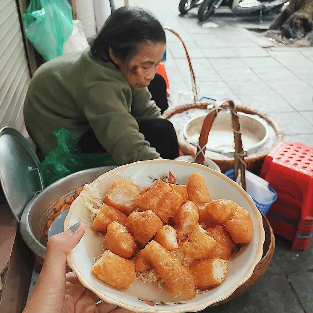 Cháo sườn Hàng Bồ - quán cháo lâu đời nhất Hà Nội
