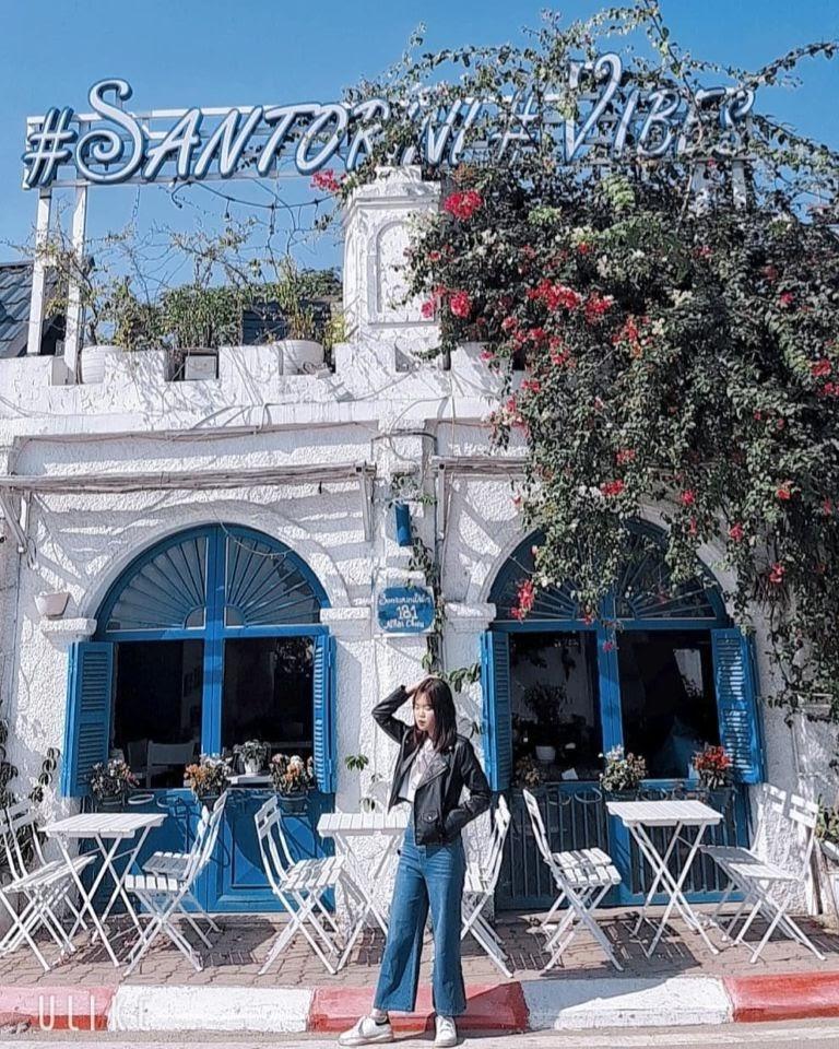 Chụp ảnh tại Santorini Vibes