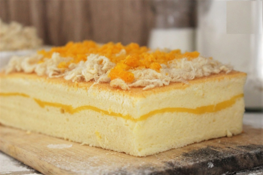 Tự tay làm bánh bông lan thơm, mềm như ngoài tiệm chỉ với cách làm cơ bản
