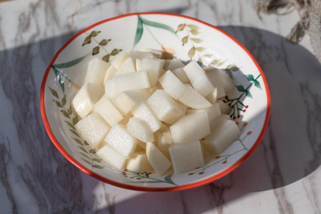 Củ cải ngâm chua ngọt- món ăn kèm truyền thống