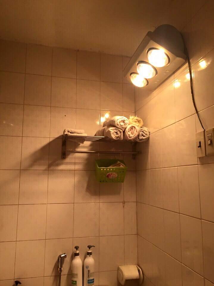 Đèn sưởi nhà tắm 1