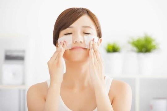 Review Top 5 giấy thấm dầu tốt cho các nàng da nhờn
