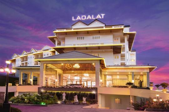 Review top 5 khách sạn Đà Lạt đạt chuẩn 5 sao sang trọng bậc nhất hiện nay