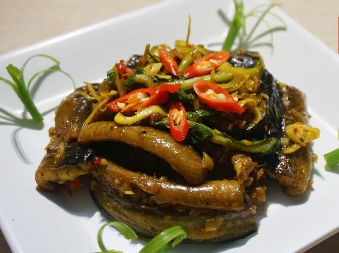 Lươn xào sả ớt- món ngon từ ruộng đồng
