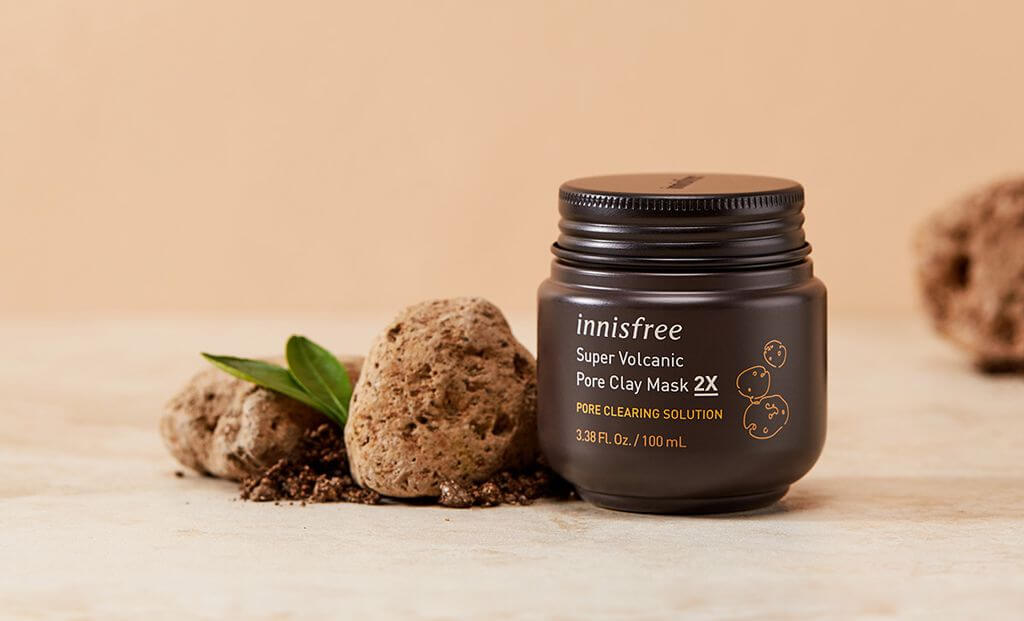 mat-na-dat-set-innisfree-supper-volcanic-pore-caly-mask
