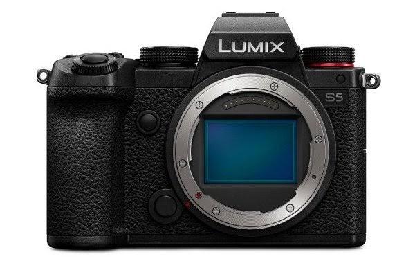 Máy ảnh không gương lật Panasonic Lumix S5