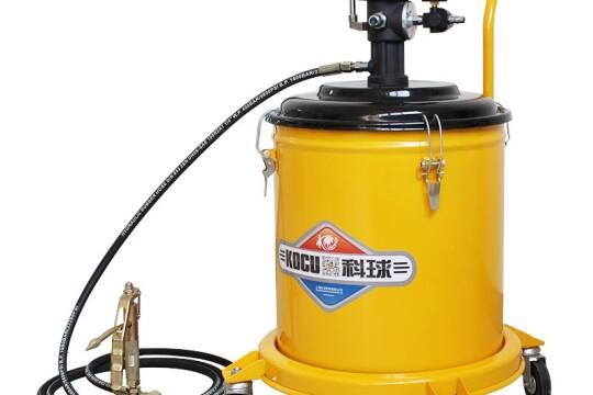 Review máy bơm mỡ khí nén- phương pháp bôi trơn động cơ tiện lợi