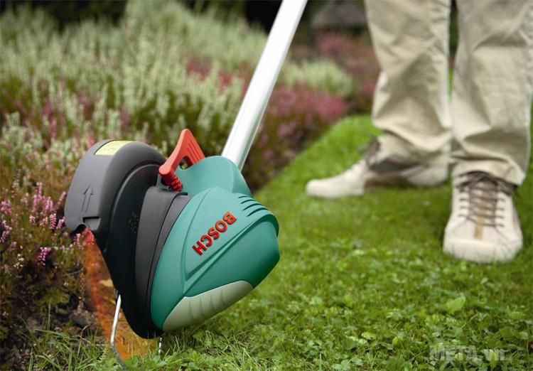 Máy cắt cỏ chạy điện Bosch ART 23SL
