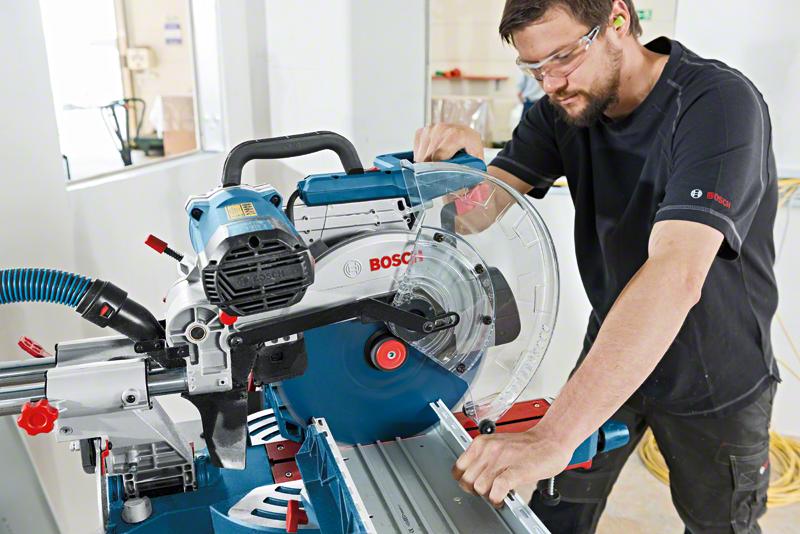Máy cắt góc Bosch GCM12SD