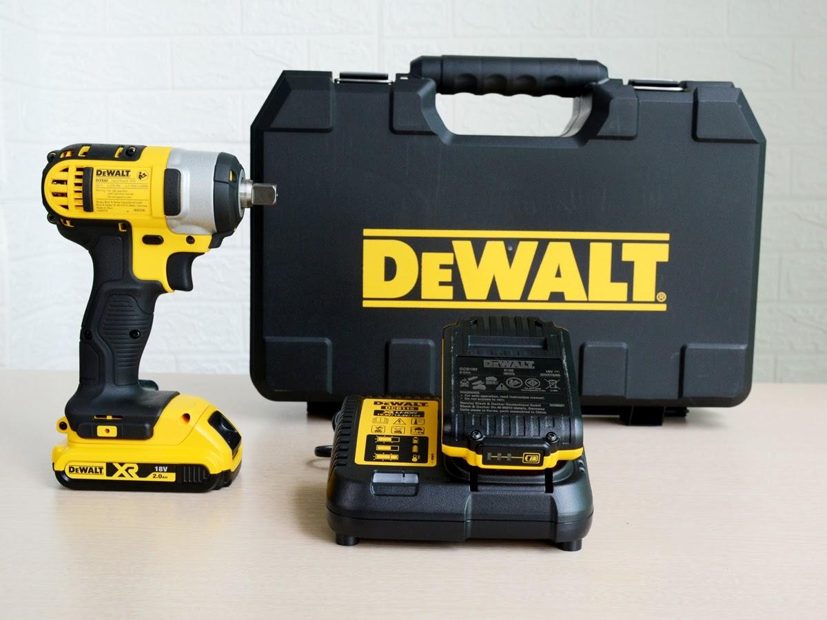 Máy vặn vít Dewalt DCF880D2