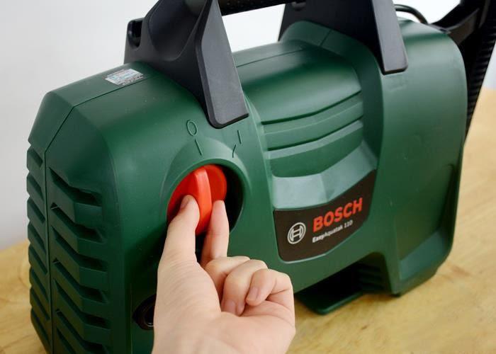 Máy xịt rửa xe Bosch Easy Aquatak 110
