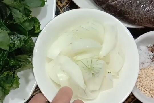 Nấu canh cá rô không tanh và cực kỳ thơm ngon đơn giản