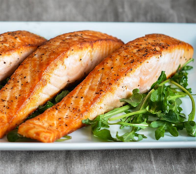 Một số lưu ý khi thực hiện món ăn cá hồi áp chảo