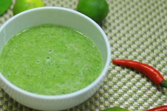 Hé lộ cách làm muối ớt xanh chấm hải sản đúng điệu