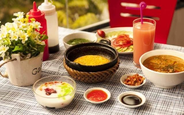 Nhà hàng cơm niêu Kombo