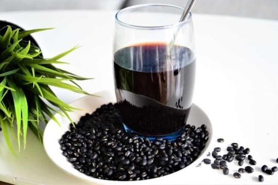 Mách bạn cách làm nước đậu đen thơm ngon bổ dưỡng tại nhà