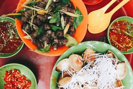 Review top 5 quán ốc ngon Hà Nội nổi tiếng và chất lượng phục vụ vô cùng nhiệt tình