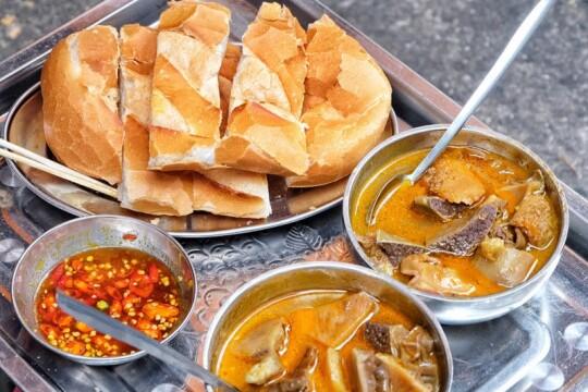 Review top 5 quán ăn vặt quận Thủ Đức giá rẻ dành cho sinh viên học sinh