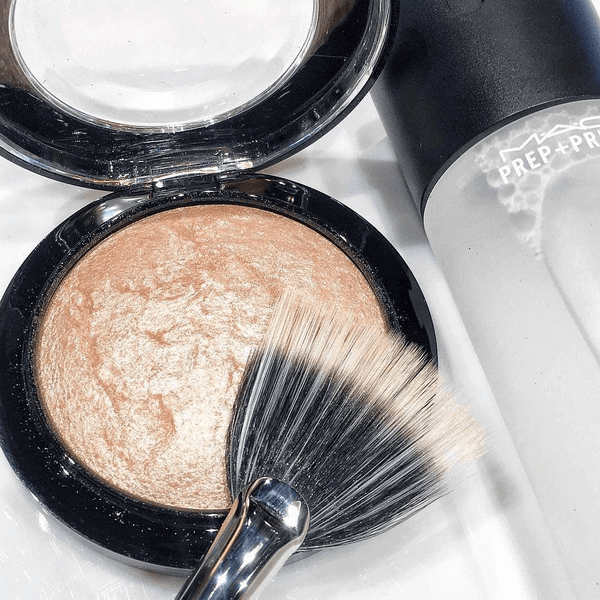 phan-bat-sang-mac-mineralize-skinfinish-poudre-de-finition