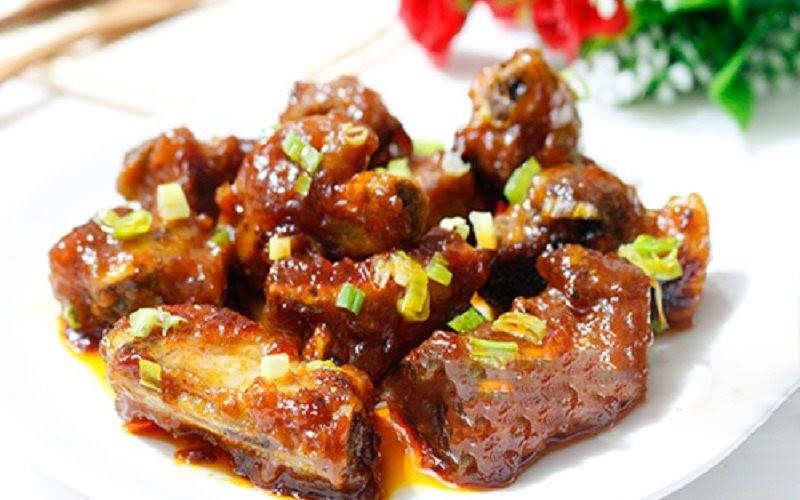 Sườn xào chua ngọt - Món ăn của gia đình Việt