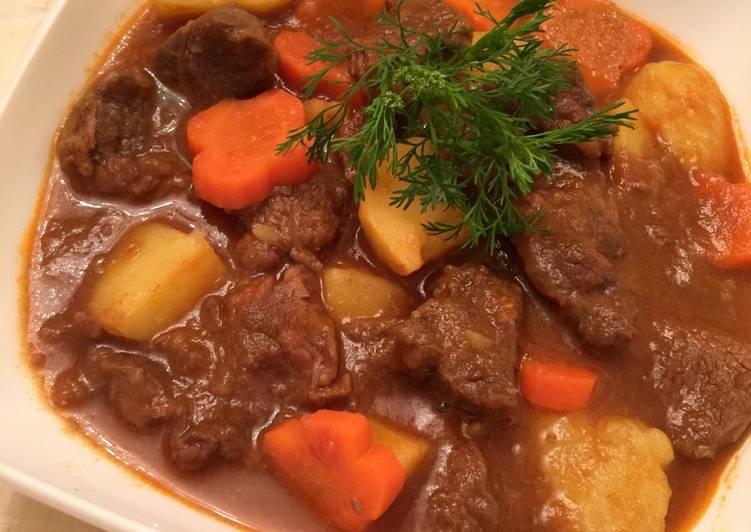 thịt-bo-sốt-vang-recipe-main-photo
