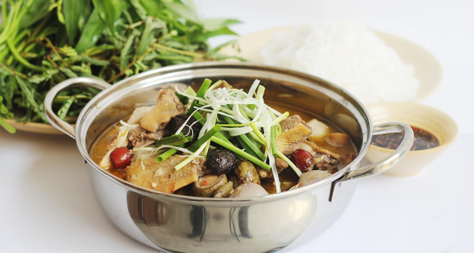 Vịt om sấu - món ăn yêu thích của mọi gia đình Việt Nam