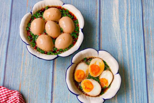 Tìm hiểu cách làm trứng ngâm tương Hàn Quốc thơm béo đúng vị